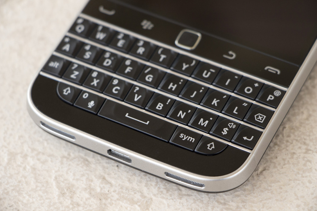new-qwerty-phone-coming-out-of-blackberry